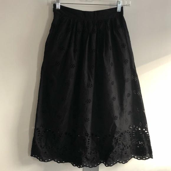 H&M Dresses & Skirts - Black eyelet summer skirt